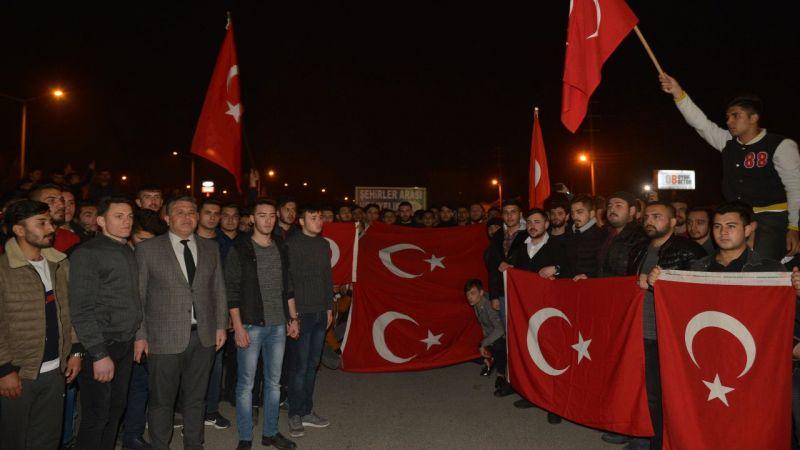 Türkiye Mehmetçik için tek yürek oldu