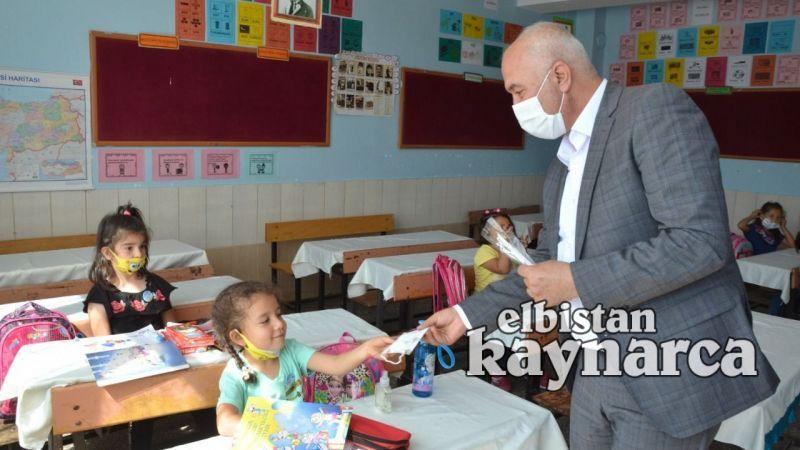 Başkan Tıraş, minik öğrencilerin heyecanına ortak oldu