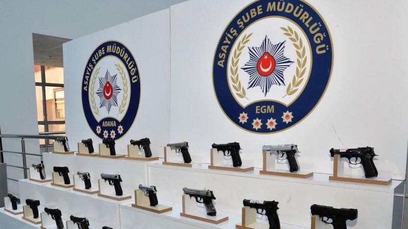 Adana'da polis denetimlerinde 44 silah ele geçirildi