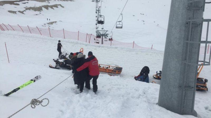 Yedikuyular Kayak Merkezi'nde kaybolan 9 kişilik tatilci grubun yardımına JAK timi koştu
