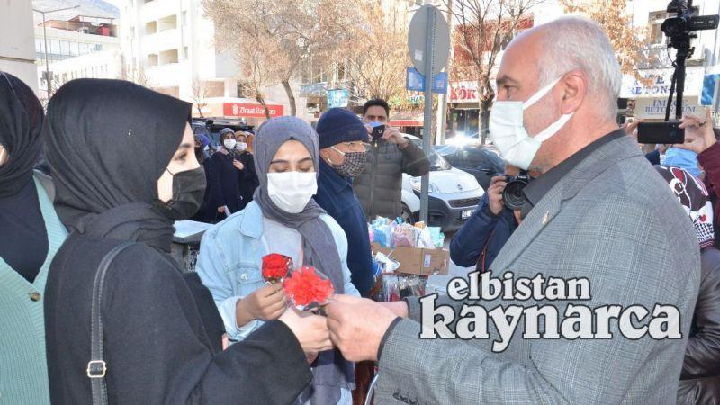 AK Parti'den Kadınlar Günü'nde karanfil jesti