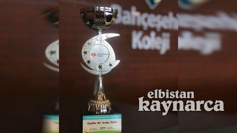 Bahçeşehir Koleji Kodlama Robotik Takımı'ndan kupa başarısı