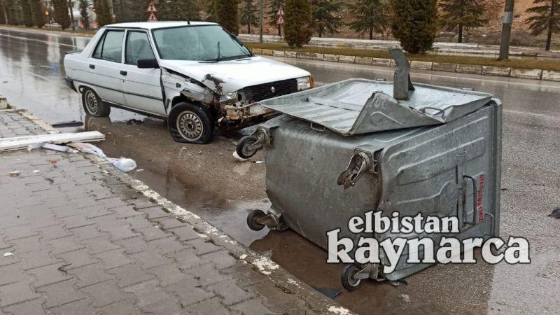 Otomobil çöp konteynırına çarptı: 1 yaralı