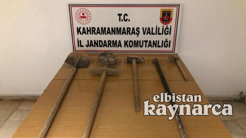 İzinsiz kazı yapan 4 kişi jandarmaya yakalandı