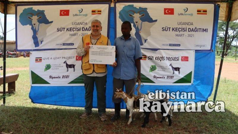 Hayırsever öğretmenler bu kez de Uganda'da süt keçisi dağıttı