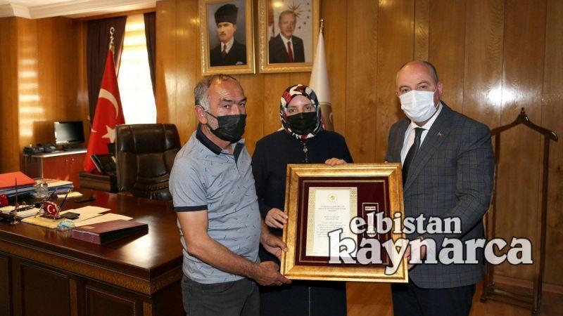 Ekinözülü şehidin ailesine Devlet Övünç Madalyası takdim edildi