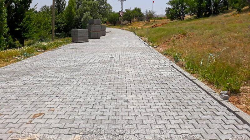 Elbistan ve Afşin'de 20 kilometrelik yol yenileniyor