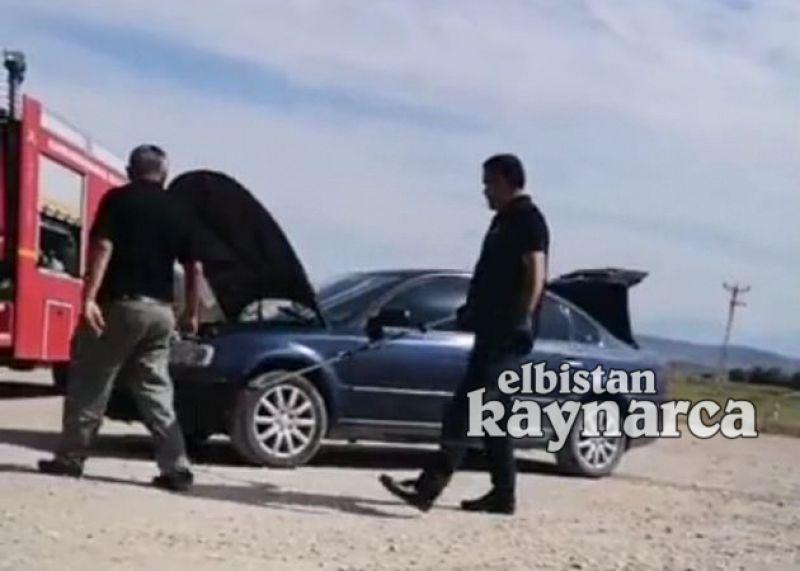 Otomobile giren 2 metrelik yılan için seferber oldular