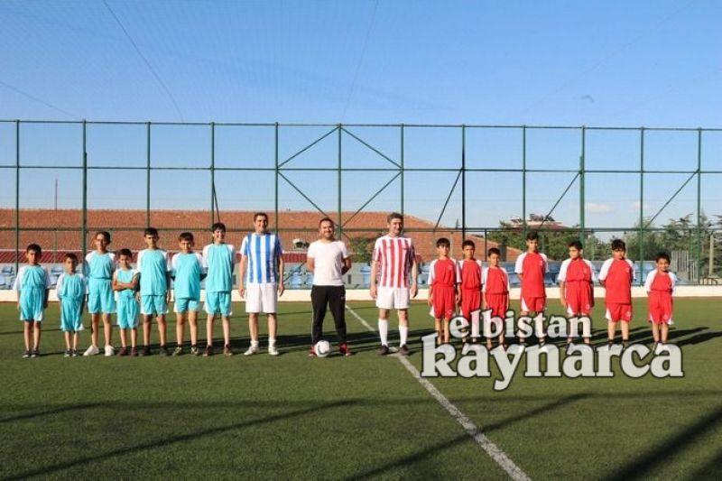 İl Müdürü Boz, gençlerle birlikte mahalle maçına çıktı