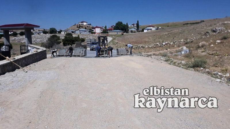 Büyükşehir, Elbistan'daki 3 mahallede yol çalışması yapıyor