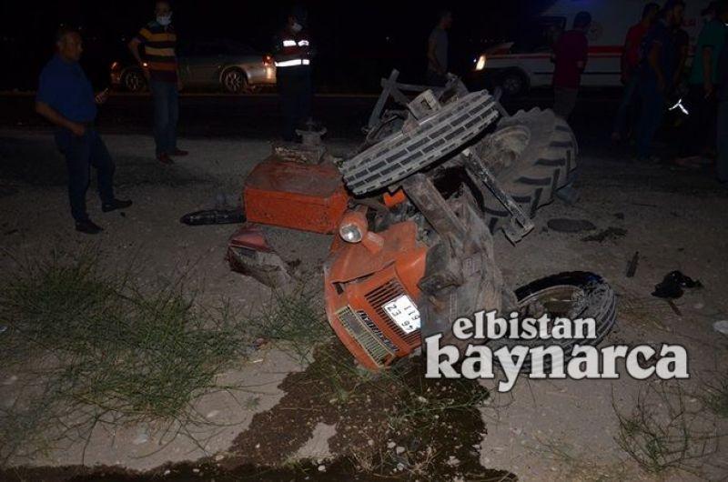 Otomobil traktöre arkadan çarptı: 5 ağır yaralı