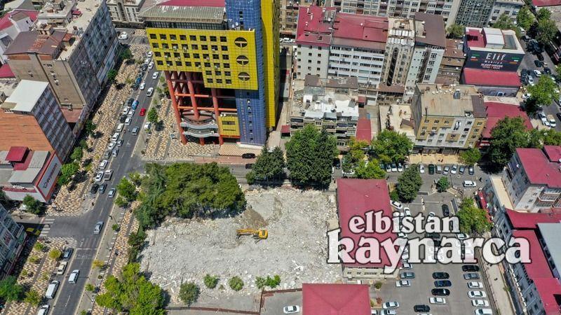 Dünyanın en saçma binasının yıkımında geri sayım