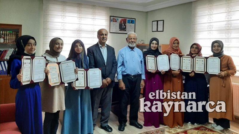 Ravza Kur'an Kursu'nda 7 hafız için icazet töreni düzenlendi