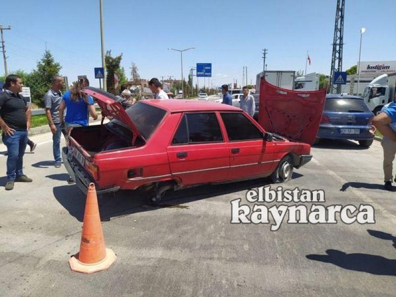 Refüje çarpan otomobilin tekeri koptu: 1 yaralı