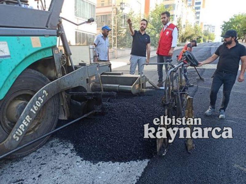 Yeşilyurt Mahallesi'nde sıcak asfalt çalışması başladı