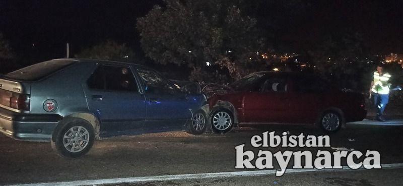 Otomobiller kafa kafaya çarpıştı: 9 yaralı
