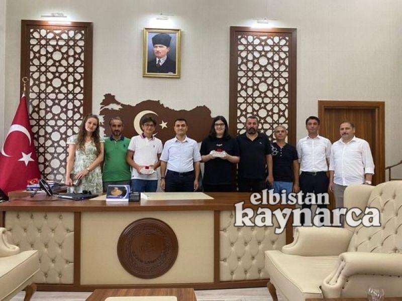Pınar ve Gürbüz'den Bahçeşehir Koleji öğrencilerine tebrik