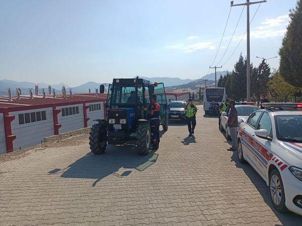 Jandarma trafikten tarım araçları ve traktör denetimi