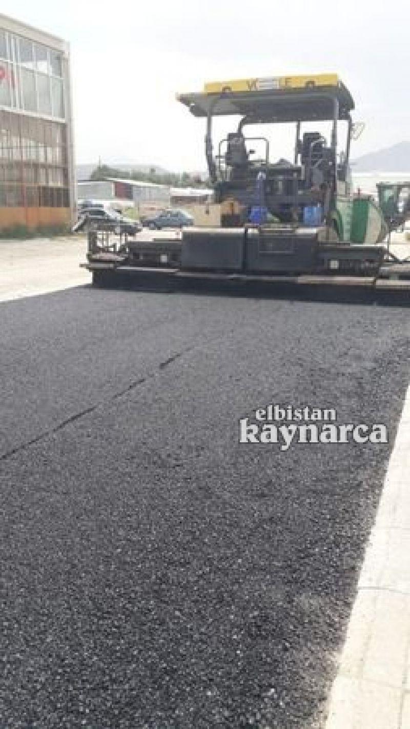 Alternatif bloklardaki esnaflardan Başkan Gürbüz'e asfalt teşekkürü