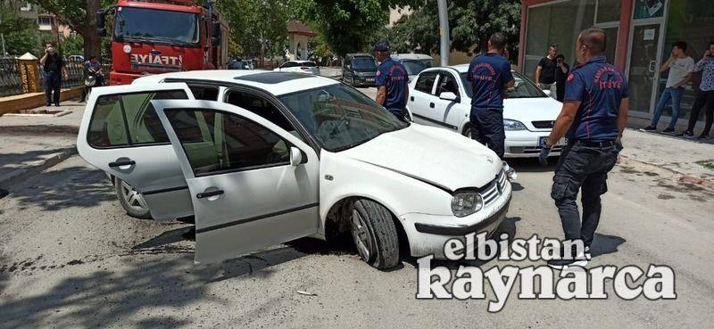 Otomobil demir korkuluklara çarptı: 1 yaralı