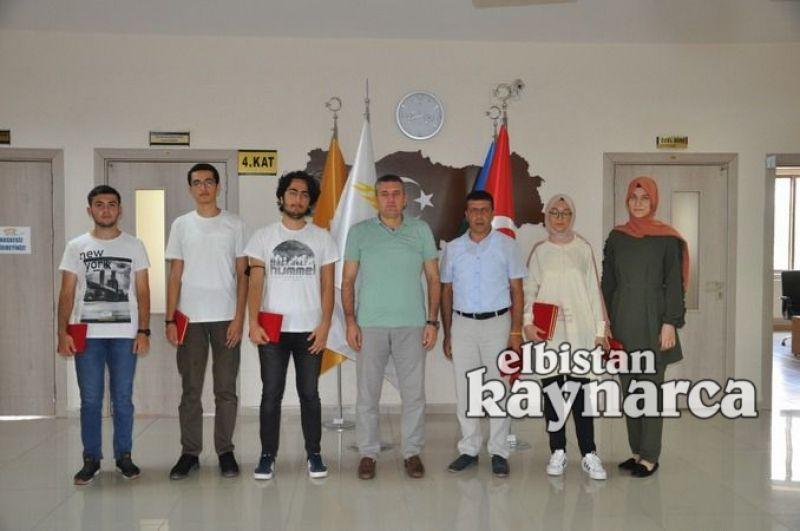 YKS sınavında Türkiye derecesi yapan öğrenciler ödüllendirildi