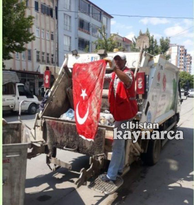 Temizlik işçisinin Türk bayrağı hassasiyeti