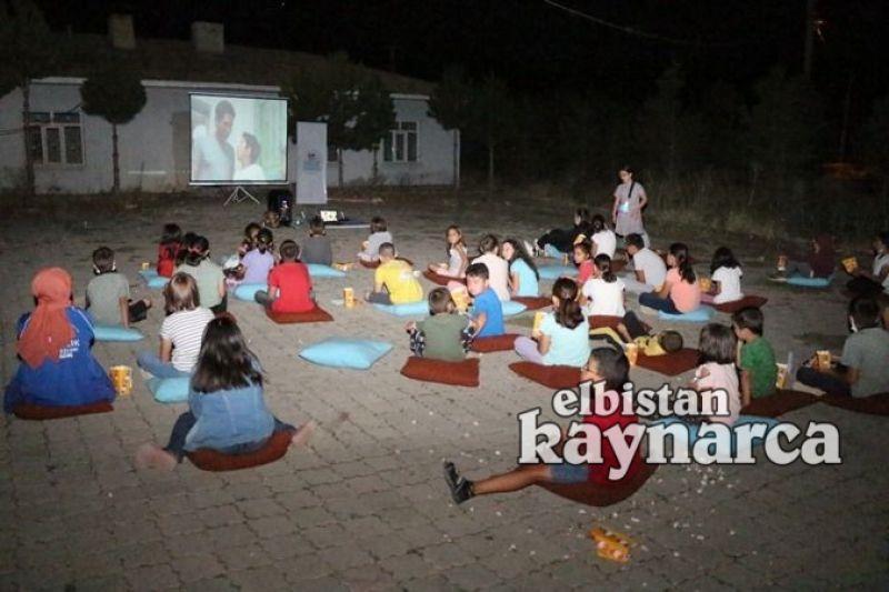 Vizontele Köyde' projesi ile sinema ayaklarına geldi
