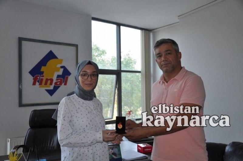 Final Kurs Merkezi, YKS'de Türkiye derecesi yapan öğrencisini ödüllendirdi
