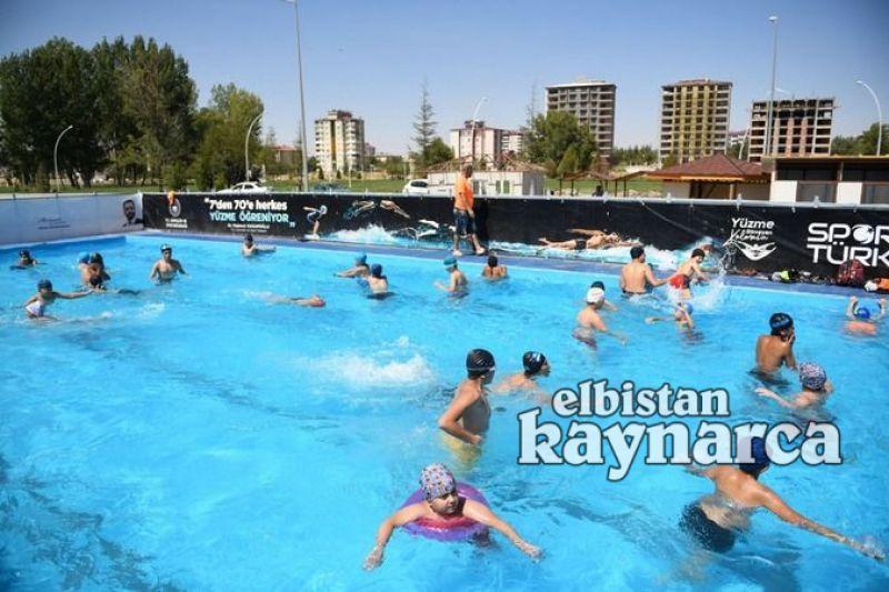 250 çocuk ücretsiz kursla yüzme öğrendi