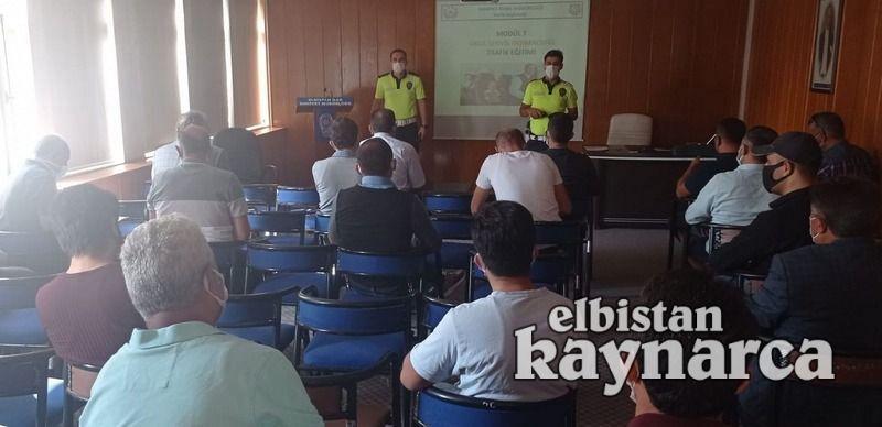 Polisten servis sürücülerine seminer