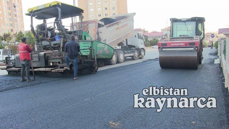 Altyapısı tamamlanan yolların asfalt kaplaması devam ediyor