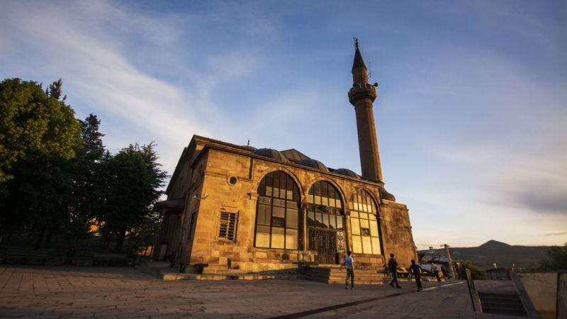 Tescilli camilerin tarihi dokusu restorasyonla yeniden ortaya çıktı