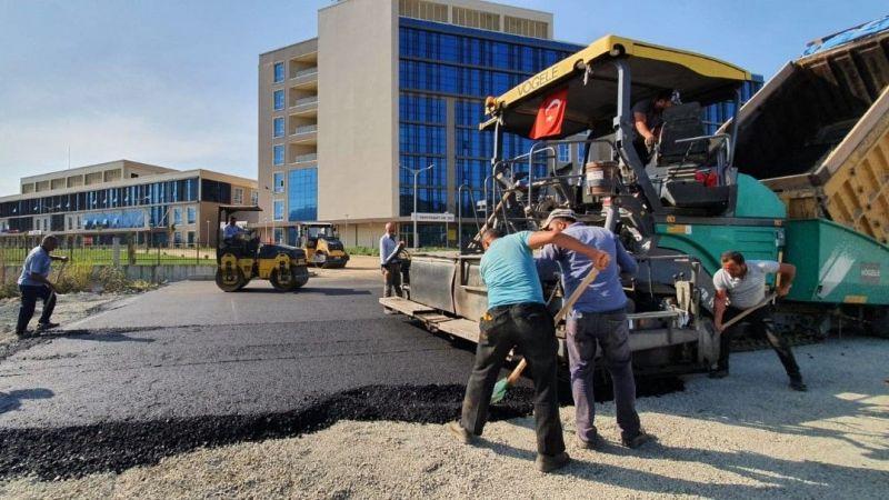 Yeni hastanenin acil giriş yolu asfaltlanıyor