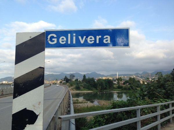 Espiye'de Gelevera köprüsü yıkılarak yeniden inşa ediliyor
