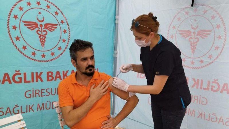 Giresun'da kentin belirli noktalarına aşı çadırları kuruldu