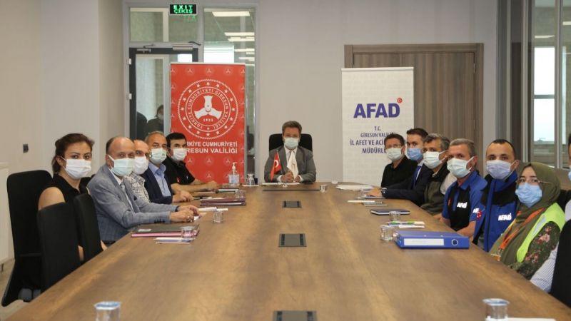 Vali Ünlü, AFAD kriz merkezinde toplantı yaptı