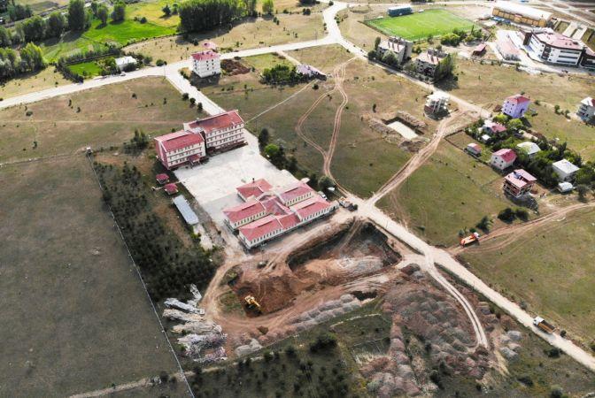 Depremde yıkım kararı çıkan yurt binası yeniden yapılıyor