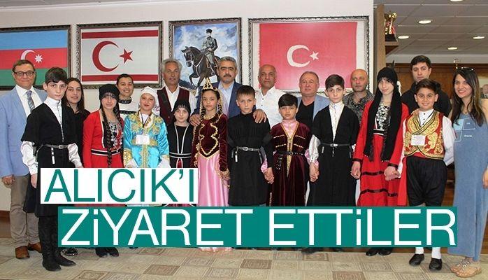Dünya çocuklarından Başkan Alıcık'a ziyaret