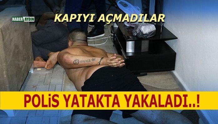 Polis yatakta yakaladı