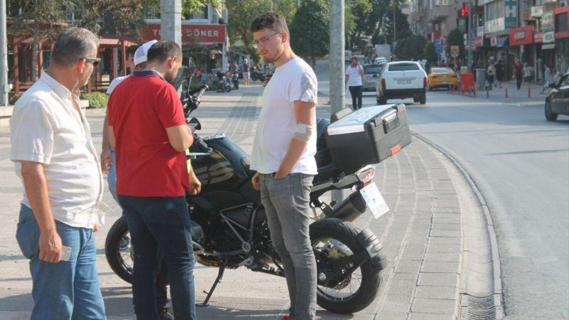 Denizli'de motosiklet yayaya çarptı: 1 yaralı