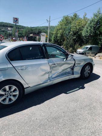 Manisa milletvekillerinin bulunduğu konvoyda kaza: 4 yaralı