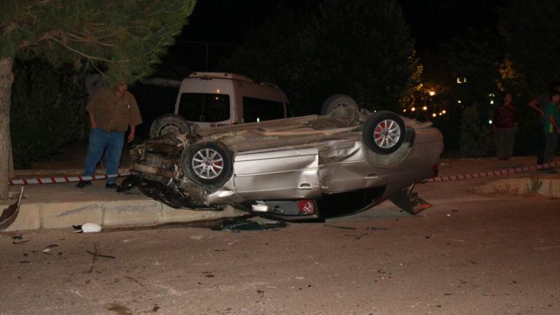 Denizli'de iki otomobil çarpıştı: 2 yaralı