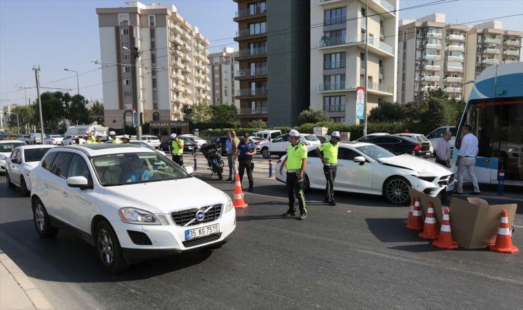 İzmir'de otomobilin çarptığı Özbekistan uyruklu kadın öldü