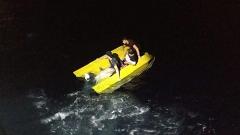 Su alan fiber teknedeki düzensiz göçmenler kurtarıldı