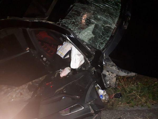 Muğla'da devrilen otomobil direğe çarptı: 1 ölü, 1 yaralı