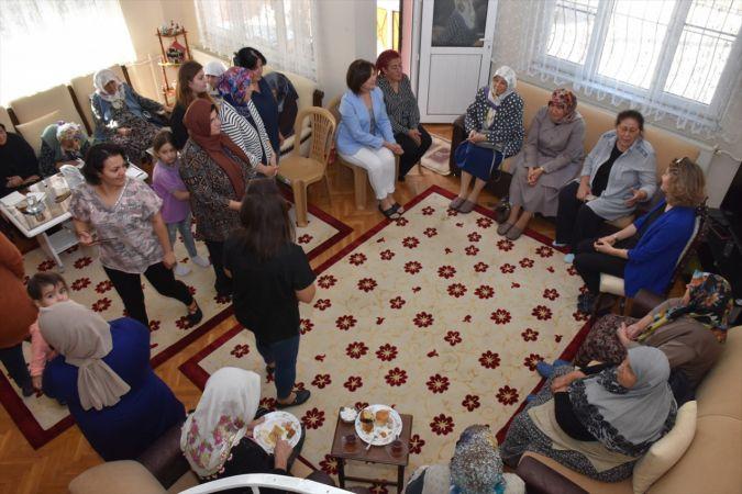 Fatma Köşger, Aymelek Yaşlı Hizmet Merkezi'ni ziyaret etti