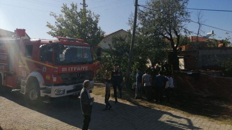 Denizli'deki yangında dumandan etkilenen kişi hastaneye kaldırıldı