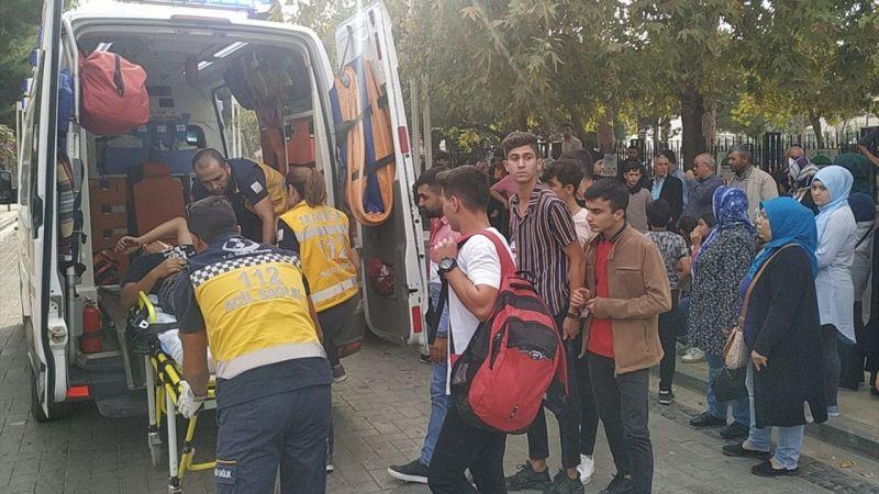 Manisa'da bıçaklı kavga: 1 yaralı