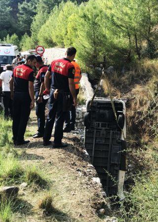 Muğla'da dere yatağına düşen öğrenci servisinin kadın sürücüsü öldü
