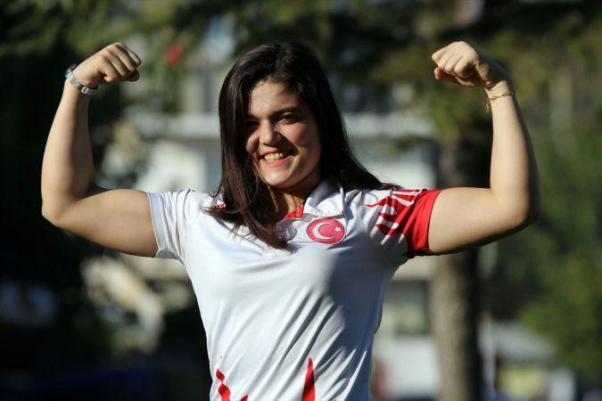 Şampiyon halterci Ayşegül Çakın'ın hedefi olimpiyatlarda zirve